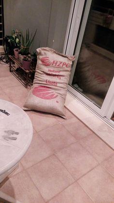 DIY: Πουφ απο τσουβαλι