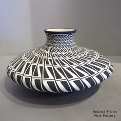 http://www.andreafisherpottery.com/pictures-full/xxacb6261m2.jpg