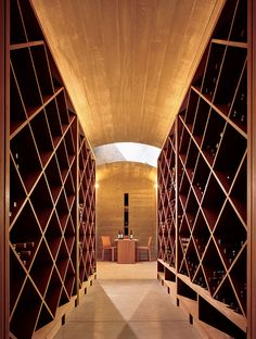Wine cellar Farrar Residence. Location: Park City, Utah, USA; firm: architetti Bohlin Cywinski Jackson; photo: Nic Lehoux.