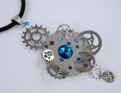 Halskette Glamor Steampunk in hellblau von ArtJewelryFun auf Etsy