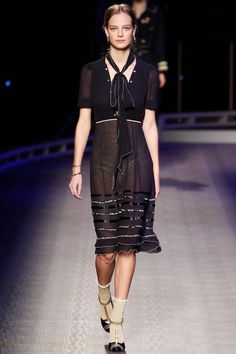 Tommy Hilfiger Fall 2016 Ready-to-Wear Fashion Show - Ine Neefs
