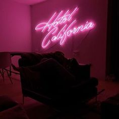 Hotel California at @chiaraferragni'house in LA Add a unique glow to your living space thanks to a neon sign in a hot pink color! For customized neon signs visit our LAB section on www.thebowerycompany.com or send us an email to hello@thebowerycompany.com ✨