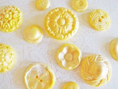 Chocolate Buttons: Yellow & Starlight White Glimmer.