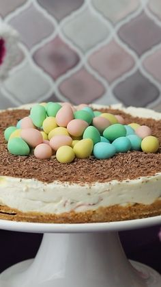 Your family and friends deserve to enjoy our delicious CADBURY MINI EGGS Cheesecake this Easter. You are in the right place about my ideas bullet … Mini Desserts, Easy Desserts, Dessert Recipes, Recipes Dinner, Yummy Treats, Sweet Treats, Yummy Food, Fruits And Vegetables List, Birthday Cakes