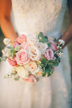 Romantic rose #bouquet | Photography: Lelia Scarfiotti - leliascarfiotti.com  Read More: http://www.stylemepretty.com/little-black-book-blog/2014/05/09/romantic-al-fresco-umbria-wedding/