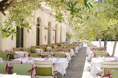 Ella's: gorgeous & delicious Mediterranean restaurant in Vienna, Austria. An InterWien fave. Vienna, Restaurant, Table Decorations, Eat, Furniture, Home Decor, Decoration Home, Room Decor, Diner Restaurant