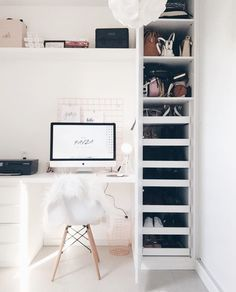 Office Interior Decoration with Scandinavian style . Bedroom Desk, Closet Bedroom, Cozy Bedroom, Bedroom Storage, Closet Storage, Bedroom Small, Trendy Bedroom, Home Design, Home Office Design
