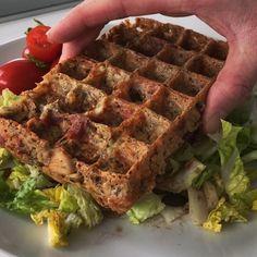 "6,752 mentions J'aime, 368 commentaires - Thibault Geoffray #90DayLC 🇫🇷 (@thibault_geoffray) sur Instagram: ""Recette Gaufre salée au jambon ou dinde 😍🤤 Délicieux et consistant!! Pour lier, j'ai remplacé ici…"" Fitness Nutrition, Waffles, Muffins, Food And Drink, Healthy Recipes, Cooking, Breakfast, Quiches, Instagram"