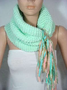 I would love to learn how to knit scarves like this one