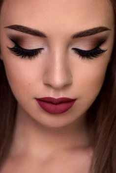 Are you searching for the trendiest prom makeup ideas to be the real Prom Queen? Make up Makeup Eyes Foundation Eye shadow Mascara Eye liner Wing Winged Lipstick Mouth Eyebrows Eyebrow Brow Wedding Makeup For Brown Eyes, Wedding Hair And Makeup, Bridal Makeup, Dramatic Wedding Makeup, Fall Wedding Makeup, Makeup Goals, Makeup Inspo, Makeup Inspiration, Makeup Ideas