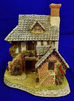 "Lilliput Lane - ""Cooper's Cottage"""
