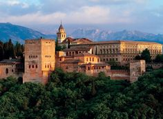 140473 - Puzzle La Alhambra, 300 piezas, Ravensburger http://sinpuzzle.com/puzzle-500-piezas/2587-140473-puzzle-la-alhambra-300-piezas-ravensburger.html