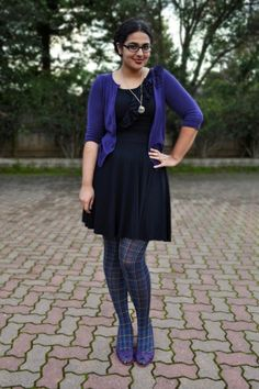 I actually have these tights and need to wear them this fall!