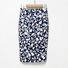 28 Best Bodycon Midi Skirt OOTD images | Skirt outfits