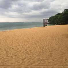 This is where the beach party keeping on the 18th 'Pearly Beach' Ochi Rios.. Ladies come out in those bikinis