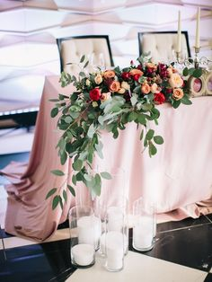 60 Queen - King of The Day Wedding Table Decor Ideas