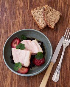 Carré de cochon, riz noir, prunes pour 4 personnes - Recettes Elle à Table