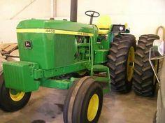 Old John Deere Tractors, Jd Tractors, John Deere Decor, Tractor Cabs, John Deere Equipment, Future Farms, Vintage Farm, Farming, Iron