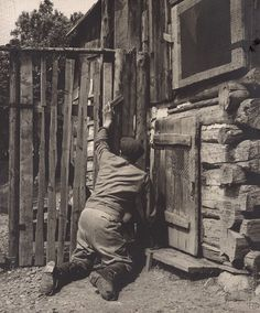 Martin Martinček: Jozef Račko z Jakubovian - 1970 Folk Art, Westerns, Photography, Painting, Toe, Pictures, Photograph, Popular Art, Fotografie