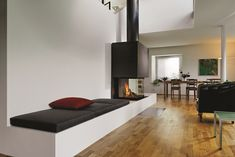 ▷ Living: the best interior tips - moderni unutarnji kamini Home Fireplace, Modern Fireplace, Fireplace Design, Fireplaces, Home Living Room, Living Spaces, Fireplace Feature Wall, Freestanding Fireplace, Foyers