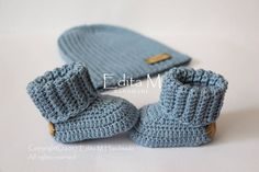 Crochet baby set, unisex baby set, baby booties, baby shoes, slouch baby hat, ribbed slouchy beanie, baby shower gift,  bamboo, cotton yarn by EditaMHANDMADE on Etsy https://www.etsy.com/uk/listing/515751610/crochet-baby-set-unisex-baby-set-baby