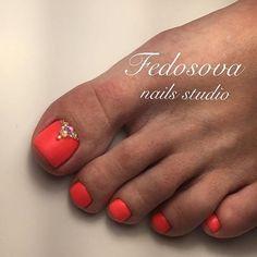 Matt Coral Toe Nail Art