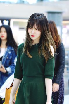 Image uploaded by Red Velvet Pics. Find images and videos about red velvet, wendy and airport on We Heart It - the app to get lost in what you love. Seulgi, Kpop Girl Groups, Kpop Girls, Irene, Wendy Red Velvet, Velvet Fashion, Girl Inspiration, Airport Style, South Korean Girls