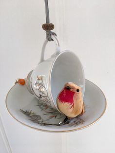 Vintage Tea Cup Bird Feeder Tea Cup Art, Hanging Candle Lanterns, Japanese Tea Cups, Upcycled Crafts, Repurposed, Decorative Beads, Tree Patterns, Glue Crafts, Vintage Tea
