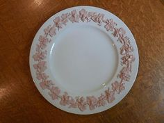 "Wedgwood embossed Queensware pink on cream 10 5/8"" Lincoln dinner plate crazed Pottery & Glass:Pottery & China:China & Dinnerware:Wedgwood"