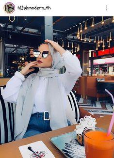 Street Hijab Fashion, Arab Fashion, Muslim Fashion, Fashion Outfits, Hijab Style Dress, Casual Hijab Outfit, Hijab Chic, Turban Hijab, Head Scarf Styles