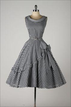 vestido vintage de los años cincuenta. por millstreetvintage