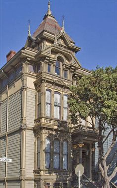 First Hippie Commune  a painted Lady of San Francisco