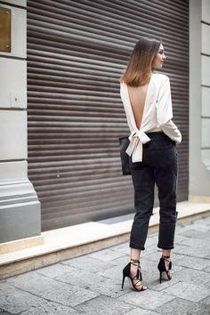 Hay días en que queremos salir a bailar, tomar algo o simplemente pasear de noche y vernos divinas, sin tener que usar vestido, pollera, ni nada corto. En esos casos los jeans son un comodín perfec…