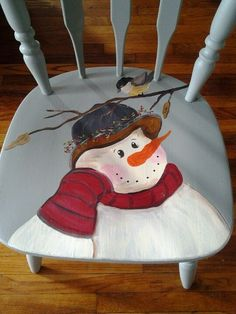 DIY Christmas Gifts for Dads & Grandfathers bird-watching-snowman Morebird-watching-snowman . Christmas Chair, Christmas Snowman, Winter Christmas, Diy Christmas Gifts For Dad, Christmas Projects, Christmas Decorations, Snowman Crafts, Holiday Crafts, Painted Chairs