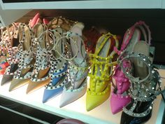 Sapatos de Luxo Valentino RockStud  http://www.replicasdebolsa.com.br/sapatos-de-luxo/