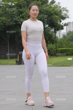 Cute Asian Girls, Beautiful Asian Girls, Asian Fashion, Girl Fashion, Womens Fashion, Yoga Pant, Beautiful Women Over 40, Korean Beauty Girls, Pinup Girl Clothing
