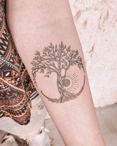 foot tattoos for women Creative Tattoos, Unique Tattoos, Beautiful Tattoos, Small Tattoos, Foot Tattoos, Cute Tattoos, Body Art Tattoos, Sleeve Tattoos, Tatoos