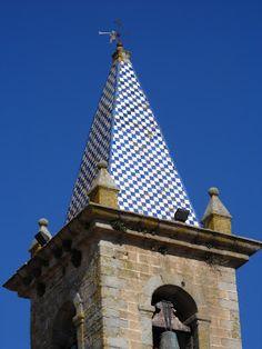 Bell tower with tiles, Fronteira - Torre sineira com azulejos, Fronteira
