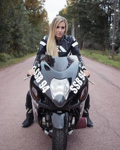 @dragsterfia #mototeka #motorcycle #moto #motoдевушка #bikeride #bikelife #follow #followme #repost #girl #ride #rideout #motogirl #biker #streetbike #motorbike #instamotorcycle #instamoto #мотоцикл #мотоциклы #мотоциклистка #мотожизнь #мото #мотосезон #спортбайк #мотомосква #байкеры #мотогора #мотоледи #мотосезон2017