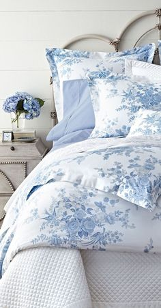 Coastal Bedding is a Great Way to Accessorize a Beach Theme Bedroom - Coastal Decor - Bedding Master Bedroom, Blue Bedroom, Bedroom Decor, Bedroom Ideas, Pretty Bedroom, Light Blue Flowers, Coastal Bedrooms, White Bedrooms, White Cottage
