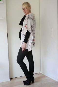 Maternity outfit with floral kimono / Maternity style / Kotisaari