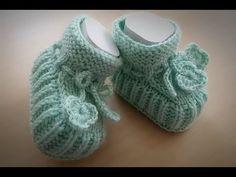 YouTube Crochet Baby Socks, Knit Baby Shoes, Knit Baby Booties, Knitted Baby Clothes, Knit Boots, Crochet Bebe, Baby Slippers, Knitted Slippers, Knitting Socks
