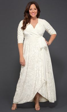 Find your dream wedding dress! Shop plus size wedding dresses online with Kiyonna Clothing. The Vie En Velvet Wedding Dress is elegant and made with luxurious crushed velvet. Lace Wedding Dress, Wedding Dresses Plus Size, Plus Size Maxi Dresses, Plus Size Wedding, Cheap Wedding Dress, Wedding Dress Styles, Plus Size Outfits, Bridal Dresses, Wedding Gowns