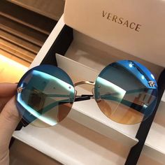 Versace Women's Medusa Aviator Sunglasses, White/Grey – Fine Jewelry & Collectibles Glasses Frames Trendy, Cool Glasses, Cute Sunglasses, Trending Sunglasses, Sunnies, Circle Glasses, Glasses Trends, Lunette Style, Fancy Jewellery