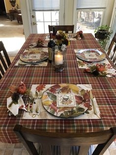This was my Thanksgiving table 2019.  Plaid tablecloth, Damask leaf placemats and napkins, Ashland Fall charger plate.