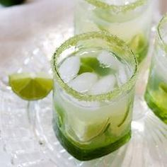 We've blended fresh lime juice with organic sugar. The result: Our Margarita Lime cocktail sugar is a green-colored sugar that is deliciously tart and sweet, a zesty sugar rimmer for margaritas, cocktails, and mixed drinks. Milk Shakes, Sugar Detox Cleanse, Diet Detox, Ham Wraps, Homemade Ham, Liqueur, Fresh Lime Juice, Fresh Mint, Summer Drinks