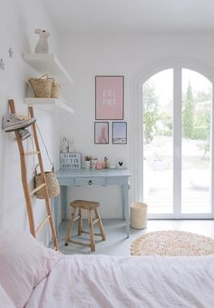 An inspiring before-and-after renovation project of a teen girl's bedroom, offering simple ideas for a room that will appeal to teens as well as grown-ups.