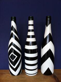 Pintados a mano la botella de vino blanco por InterestingInteriors