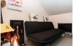 Beau studio fonctionnel dans Paris centre. Dans charmant immeuble classé, situé dans un quartier historique de Paris.  Beau studio de 10 m2 avec tout le confort ( salle d'eau séparée douche lavabo wc )  Avec un canapé lit 2p, une kitchenette équipée , la tv/dvd  Idéal pour passer une location de vacance ou un Week end à Paris