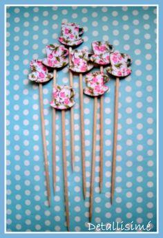 Palillos de madera con tacitas (12 cms). Perfectas para brochetas, dulces y saladas, aperitivos, pinchos, cupcakes, muffins, mesas dulces pedidos: ettura@yahoo.es